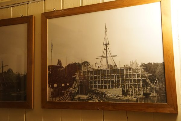 Picture of the museum being built around the Fram